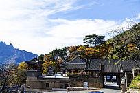 千山香岩寺的天王殿与钟鼓门楼