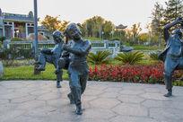 跳舞的孩子雕塑