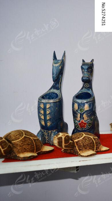 笔筒 漆艺 海龟 动物 马头 牛头 木纹 原木 木雕 雕刻 打磨