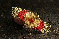 红色绸带金色新娘发钗