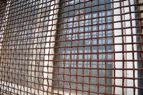 生锈的铁丝网