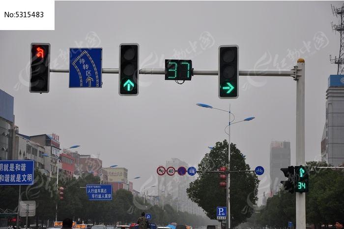 十字路的红绿灯图片,高清大图