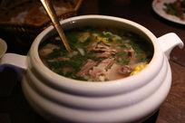 新疆美食清炖羊排骨