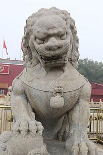 北京天安门城楼前的石头狮子雕刻