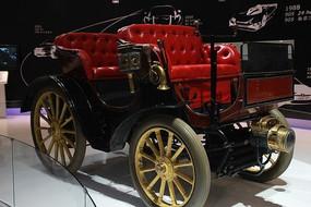 北京车展上的老爷车展示