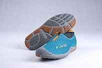 土绿色网布鞋鞋底横靠立
