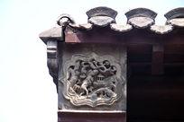 天津石家大院屋檐上的雕刻图案