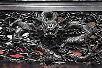 红木家具上的飞龙雕刻