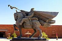 甘肃阳关前骑马雕像
