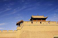 蓝天下的嘉峪关城楼