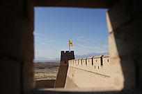 射击孔内看到的嘉峪关碉楼