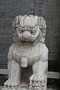宛平城内的石头狮子雕刻
