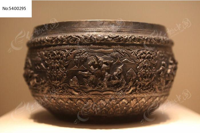国宝档案国博展出的金鹿故事银钵图片