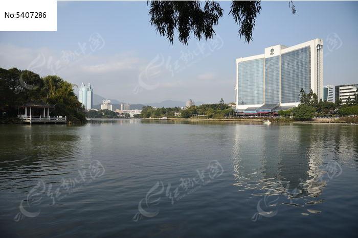 湖边建筑物图片,高清大图