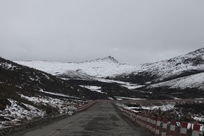 寒冷寂静的冰川雪地