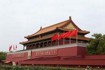 红旗飘扬在天安门城楼