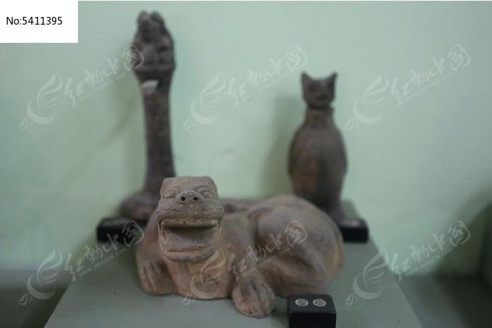 陶博馆展品汉朝时期的动物陶器图片