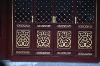 北京大观园内传统中式红木大门木雕图案