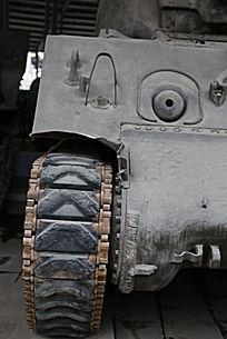 军博展品美国造谢尔曼中型坦克链条