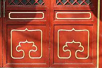 木门上的古典式样边框线条