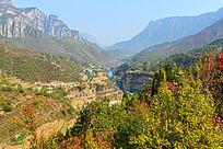 太行峡谷秋景风光
