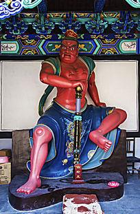 大佛寺景区来迎门能容亭铁轮王雕像