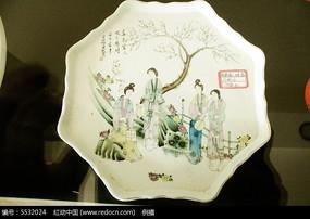 古玩店的中国瓷器