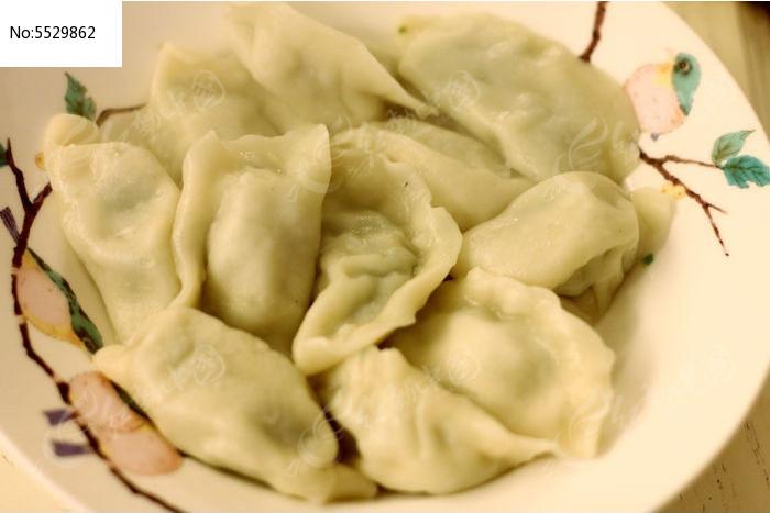 方叶饺子的包法图解