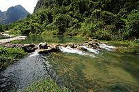 小七孔景区清澈河水