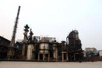 北京798文化艺术区废弃工厂锅炉和烟冲全景