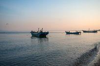 归航的渔船