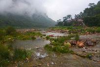 河南林州石板岩乡露 水河边风景