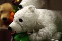 白色小狗玩具