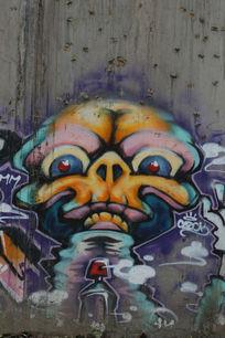 北京798魔鬼头颅涂鸦墙