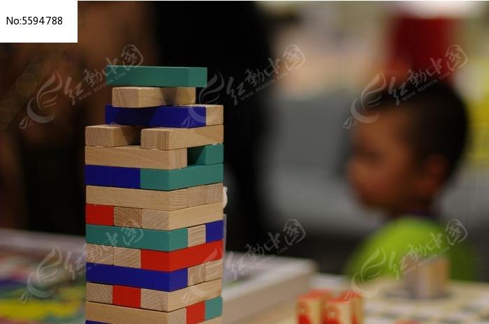 生活百科 娱乐用品 > 堆叠积木图片  素材编号 : 5594788 图片像素