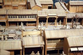 木雕清代镂空窗户的木楼