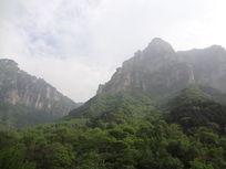 壮观秀丽的山峰