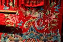 刺绣凤凰牡丹图案
