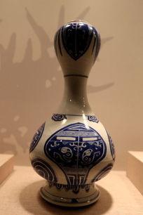 清代青花兽面纹蒜头瓷瓶