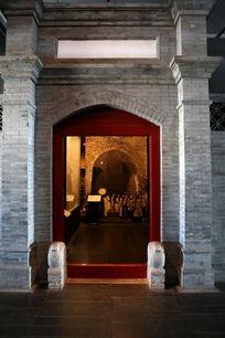 传统青砖门头大门背景