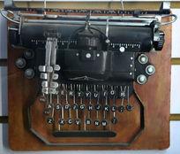 老式字母按键打字机