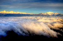 牛背山气势磅礴的云海