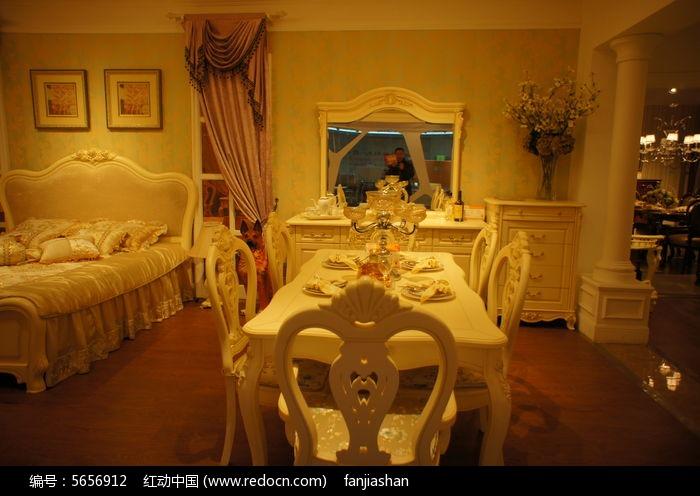 欧式餐厅餐桌图片,高清大图