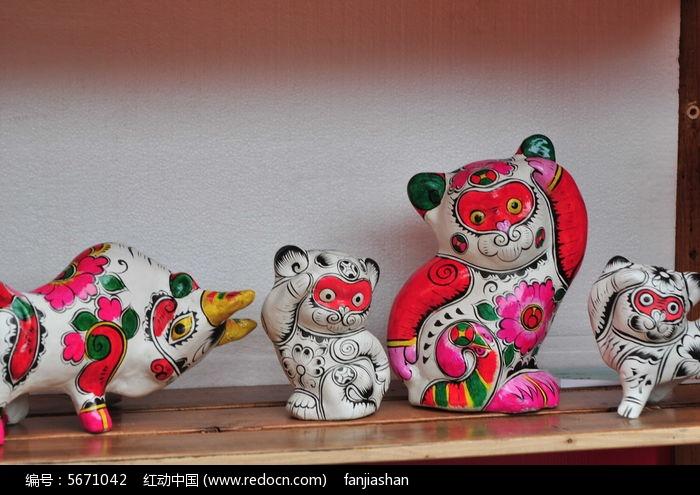 北京地坛庙会上的凤翔泥塑--生肖猴图片