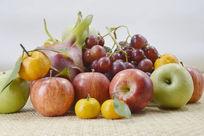 近拍一堆水果特写