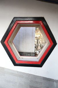 颐和园六边形图案描边窗户