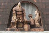 打铁匠与妻子石雕