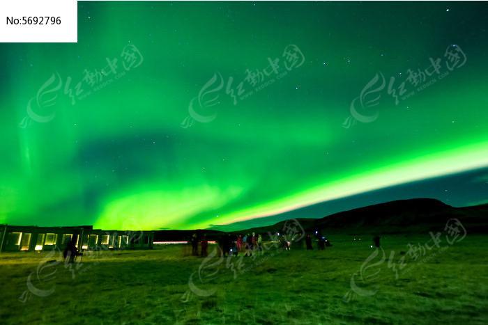 冰岛遇见绿色极光图片