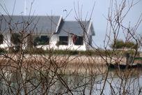 湖边建筑摄影图片