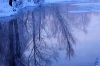 不冻河冰雪
